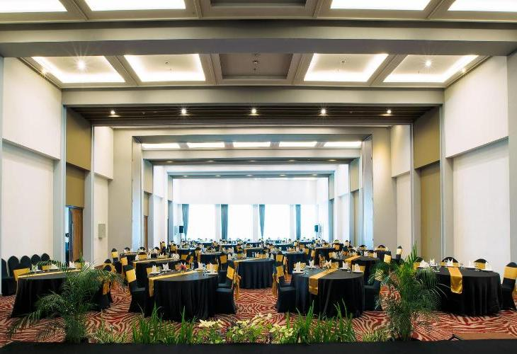 Metro Indah Bandung Hotel (Associated with FOX Harris Hotels)