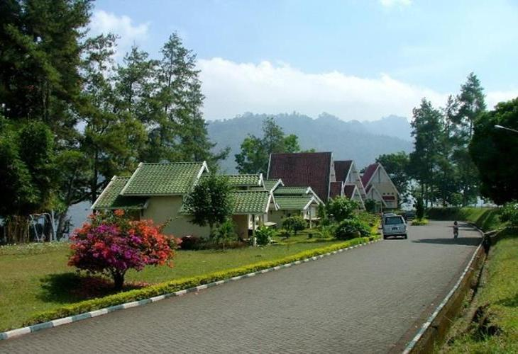 Taman Wisata Selorejo and Resort