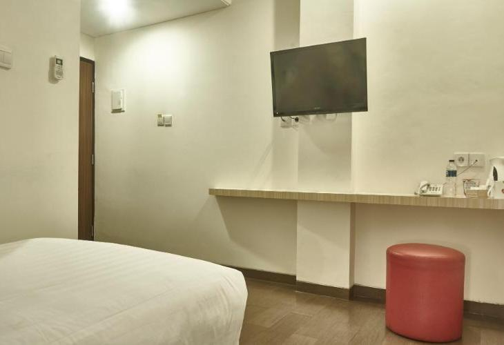 d Primahotel ITC Mangga Dua