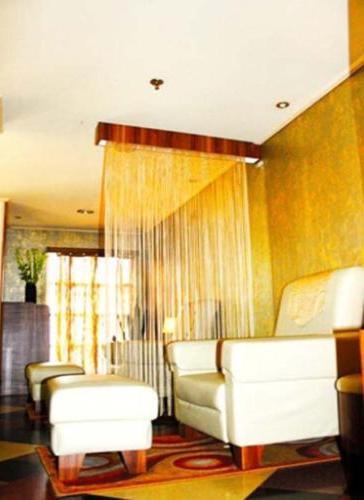 Golden Boutique Melawai