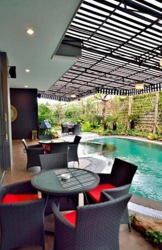 Amaroossa Cosmo Jakarta