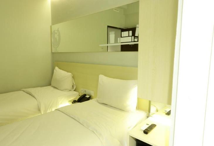 Cleo Hotel Surabaya