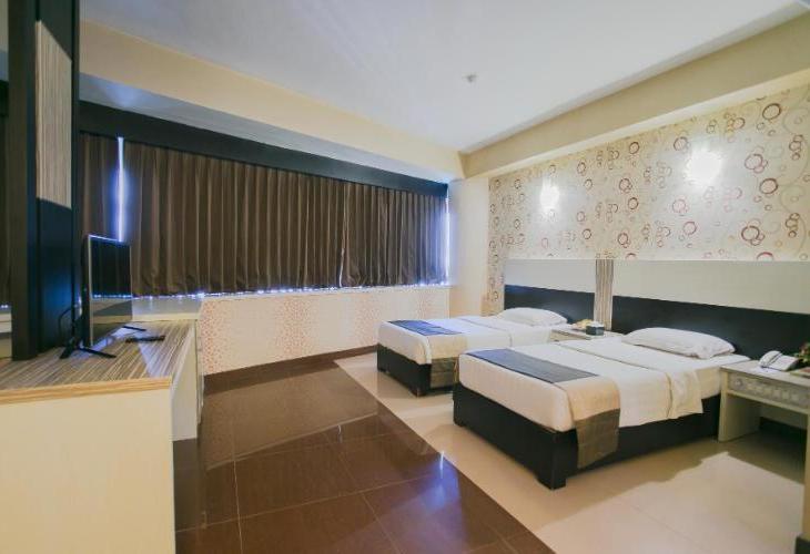 Oval Hotel, Surabaya