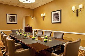Maumu Hotel And Lounge