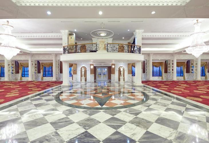 Garden Palace Surabaya