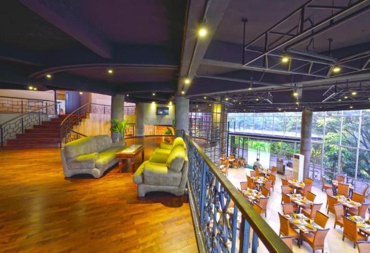 Oaktree Emerald Hotel Semarang