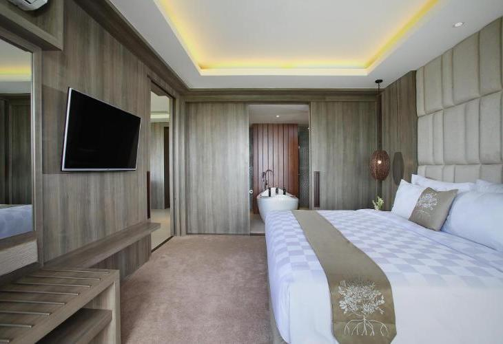 The Crystal Luxury Bay Resort Nusa Dua