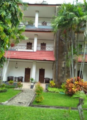 Puri Saron Senggigi Beach Hotel