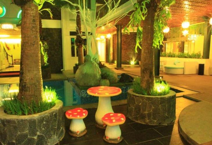 d Ox Ville Hotel Padang