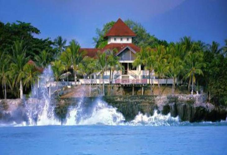 Patra Comfort Anyer Beach Resort