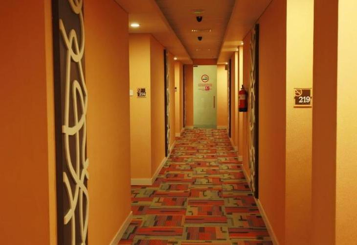 Neo Gubeng (Formerly CityHub Hotel Gubeng)