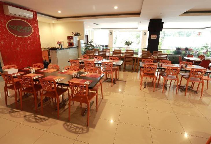 Pratama Hotel and Convention