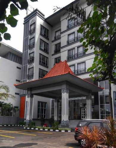 Grand Serela Hotel Yogyakarta (Formerly Grand Seriti Madani)