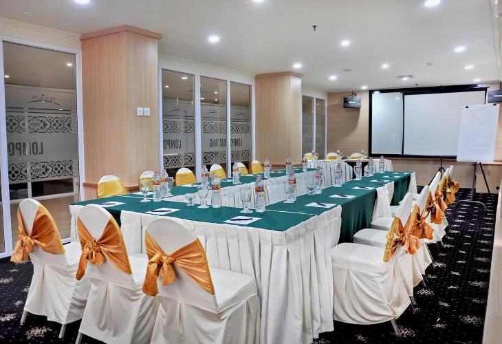 Horison Ultima Makassar