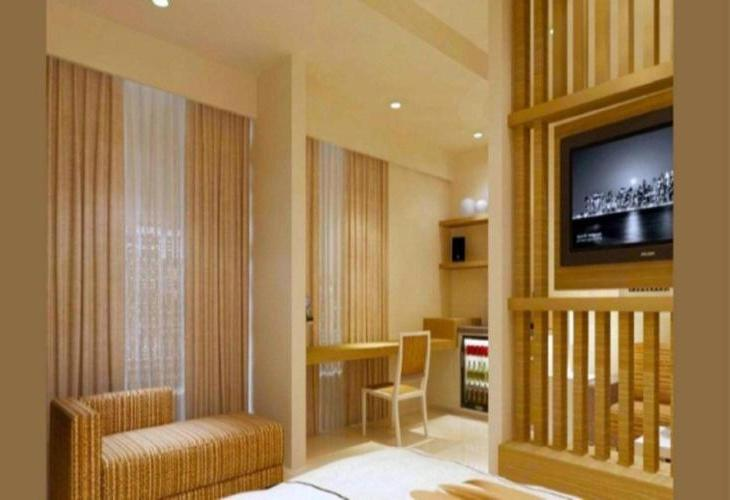 Saka Hotel Premier