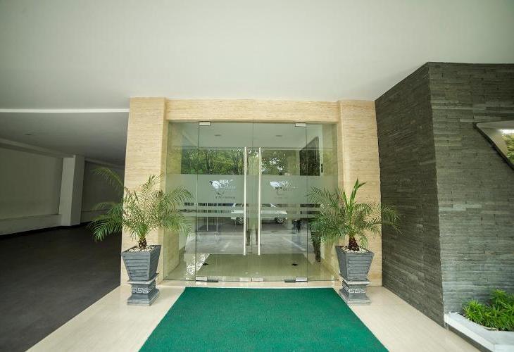 Airy Boulevard Ahmad Yani 17 Manado