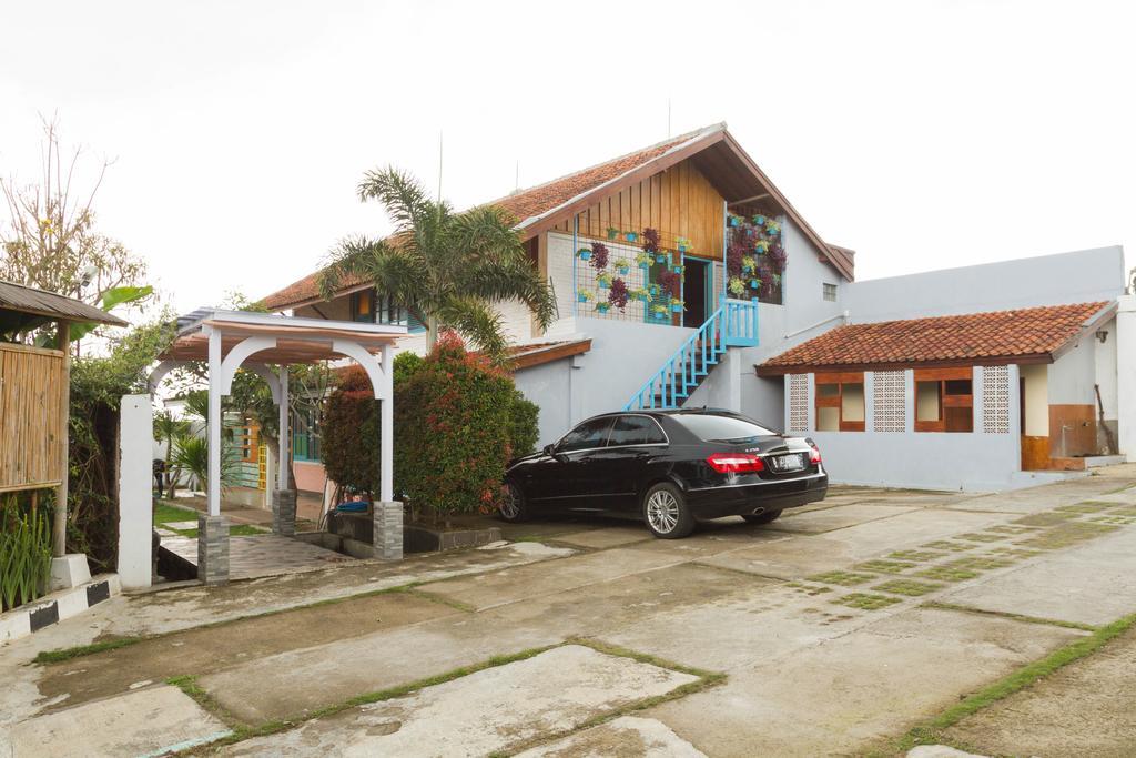 RedDoorz near Kampung Gajah 2