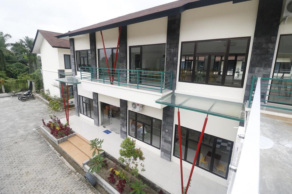 RedDoorz Plus near Kualanamu Airport