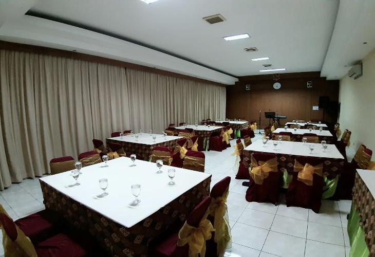 Serrata Convention and Boutique