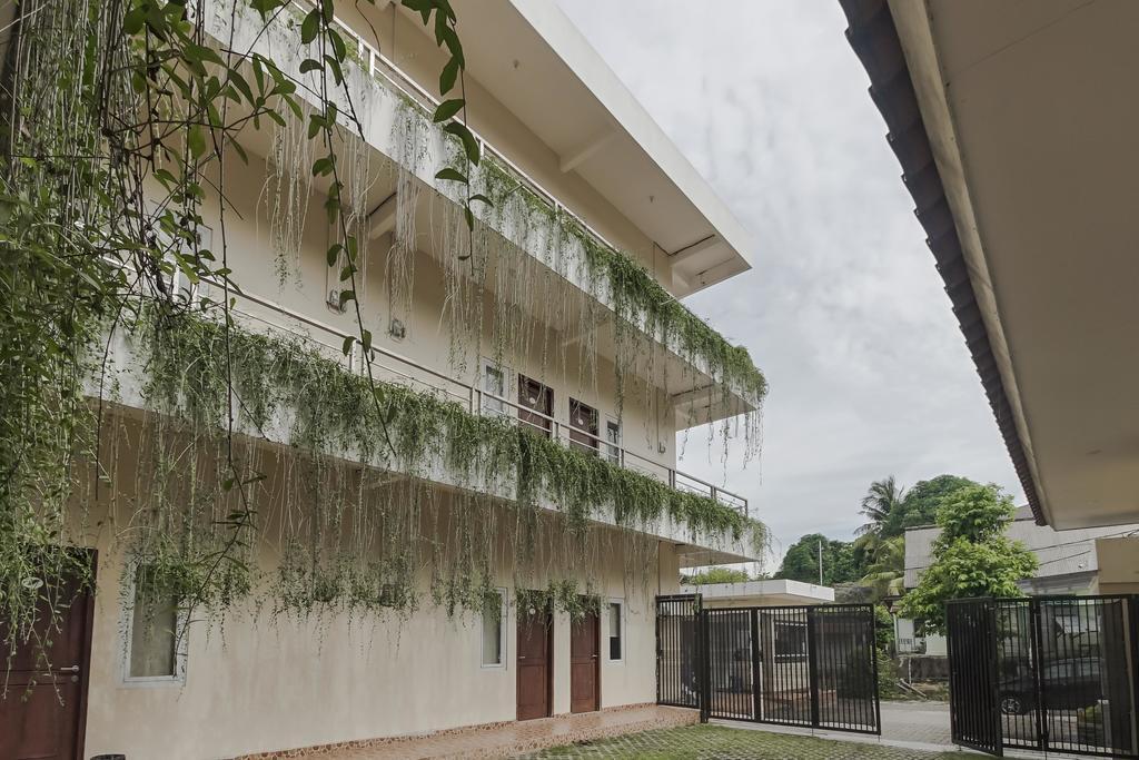 RedDoorz near Sriwijaya University Palembang 2
