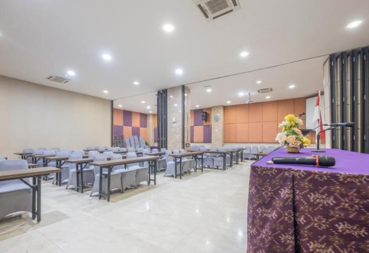 Raising Hotel Makassar