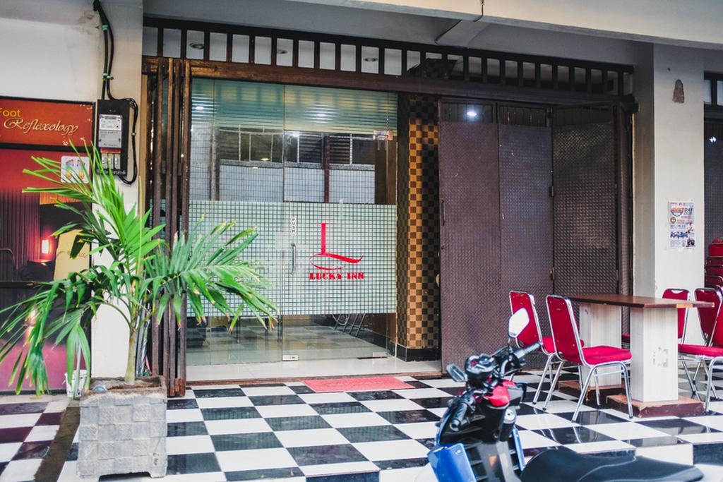 RedDoorz Plus near Mall Panakukang 2