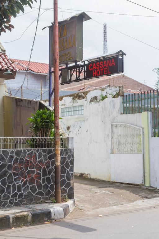 RedDoorz near Pasar Pagi Cirebon 2