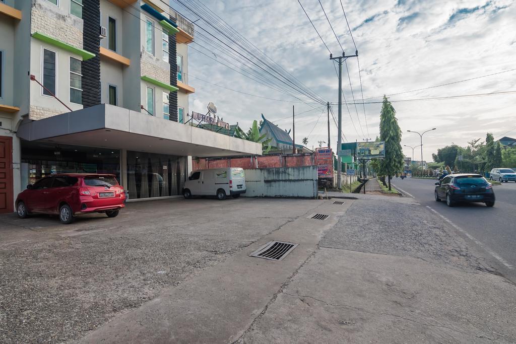 RedDoorz Plus near Simpang Rimbo Jambi