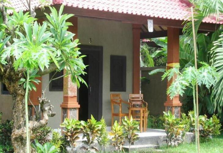 Suka Sari Cottages