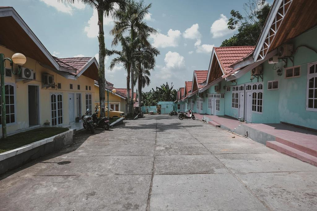 RedDoorz near RSUD Kolonel Abundjani Bangko