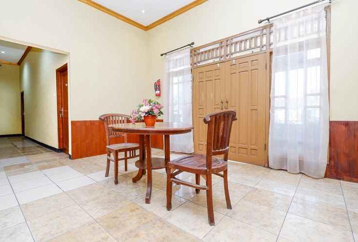 OYO 1312 Graha Wisata Hotel