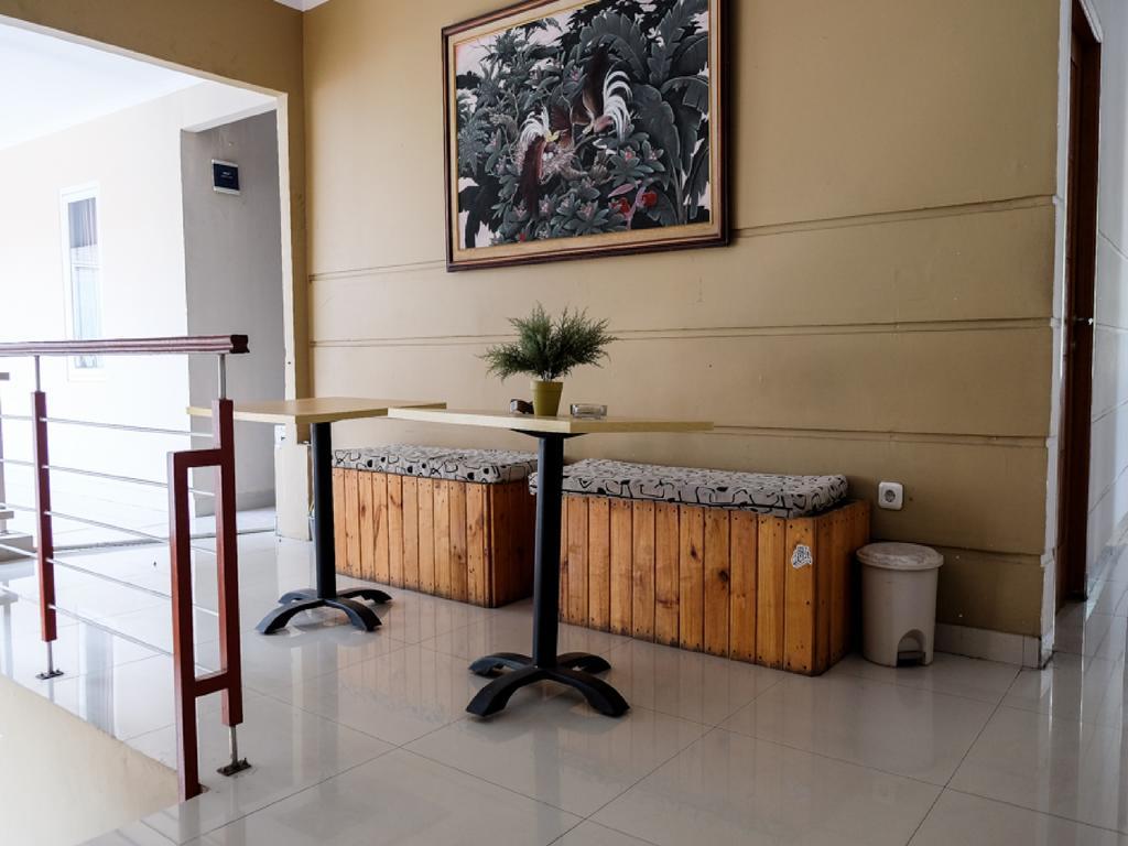 RedDoorz near Kebun Raya Bogor 2