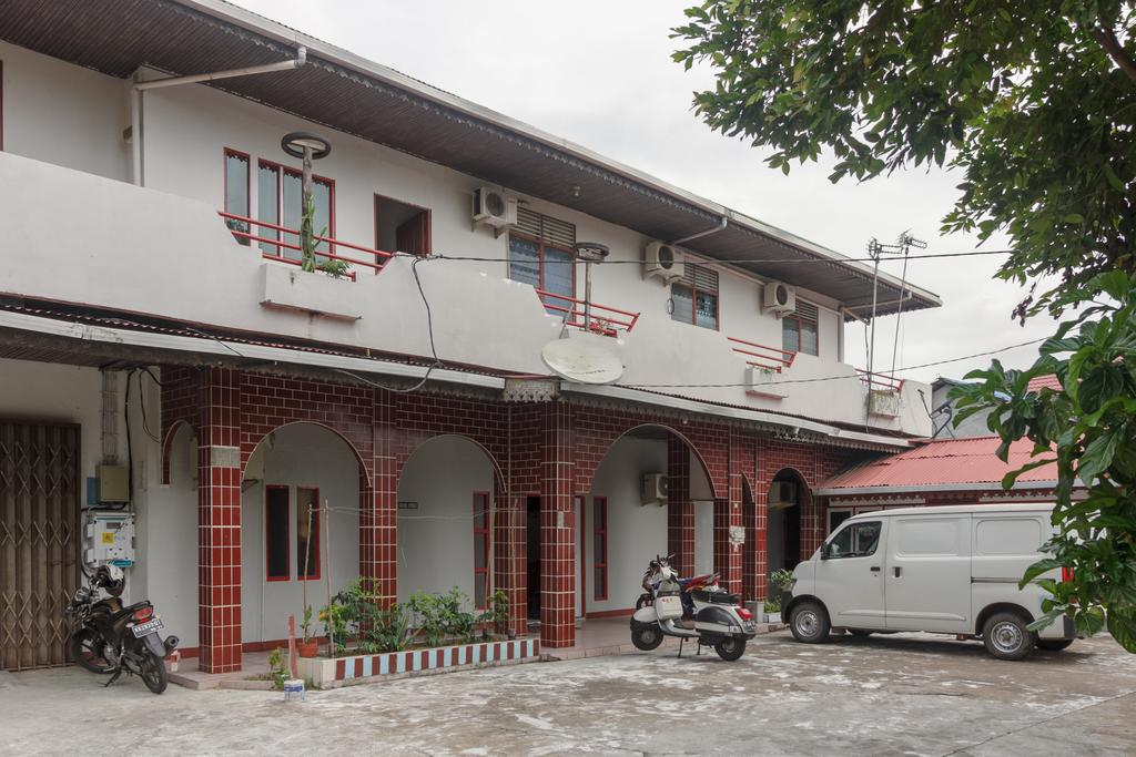 RedDoorz Syariah near Ayani Mega Mall Pontianak