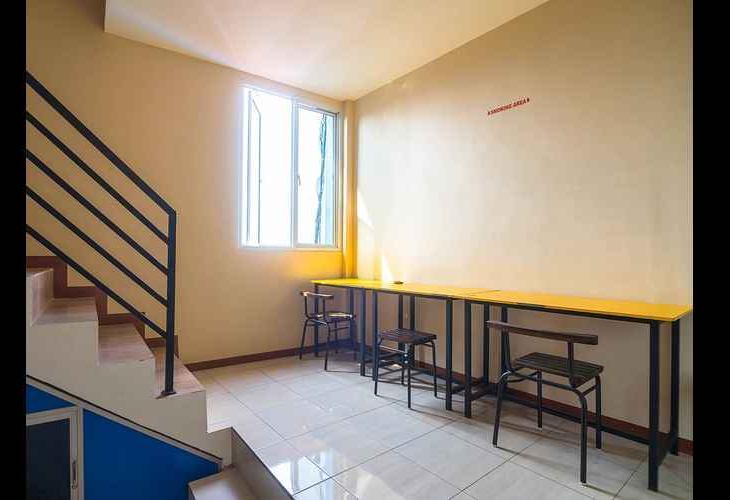 OYO 1484 Sentosa Guest House