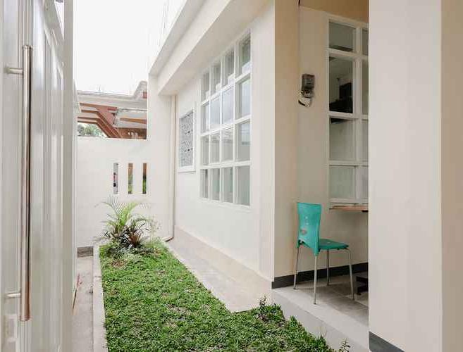 OYO 1247 Antosa Family Residence