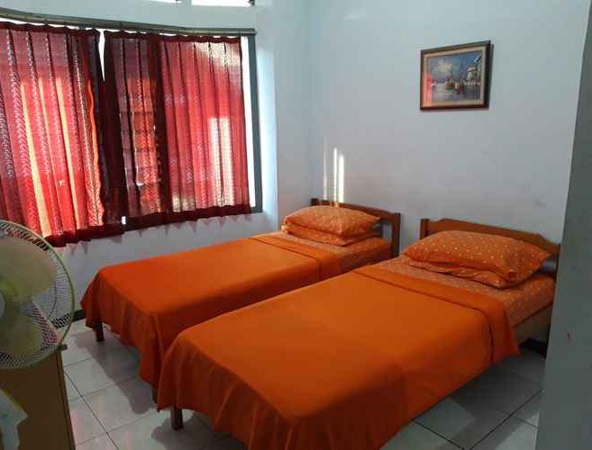 Familie Ayu Hotel