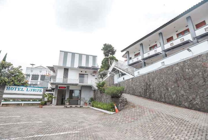 Hotel Lurus
