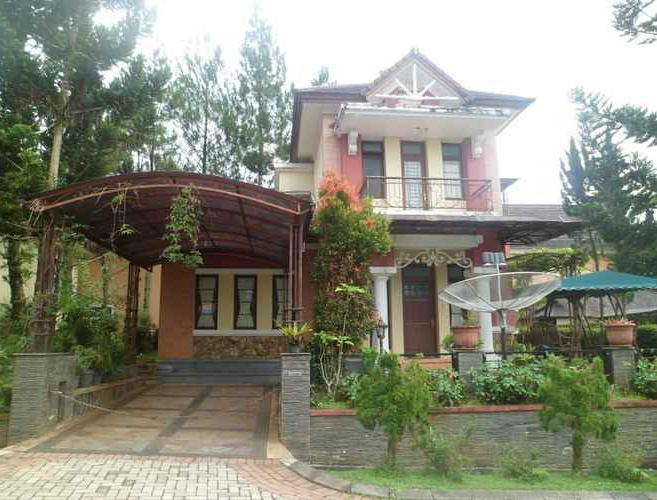 Villa Kota Bunga Azalea