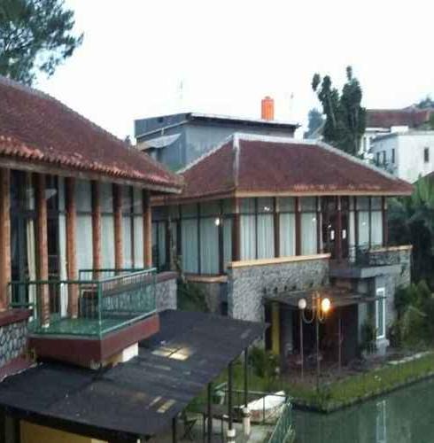 Villa Bukit Danau