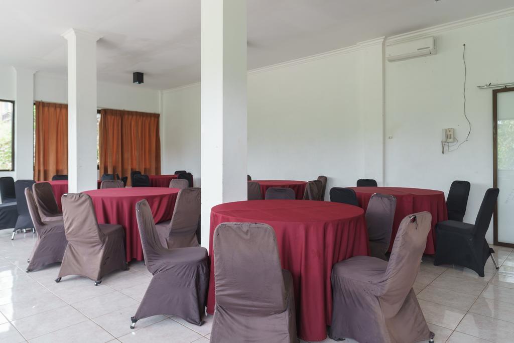 RedDoorz Plus @ Lodaya Gunung Geulis Puncak
