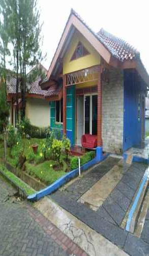 Villa Kota Bunga Dahlia