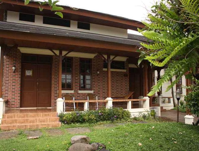 Villa Kota Bunga Anyelir