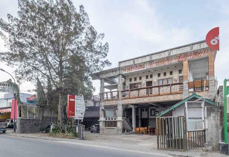 OYO 1869 Hotel Buah Sinuan