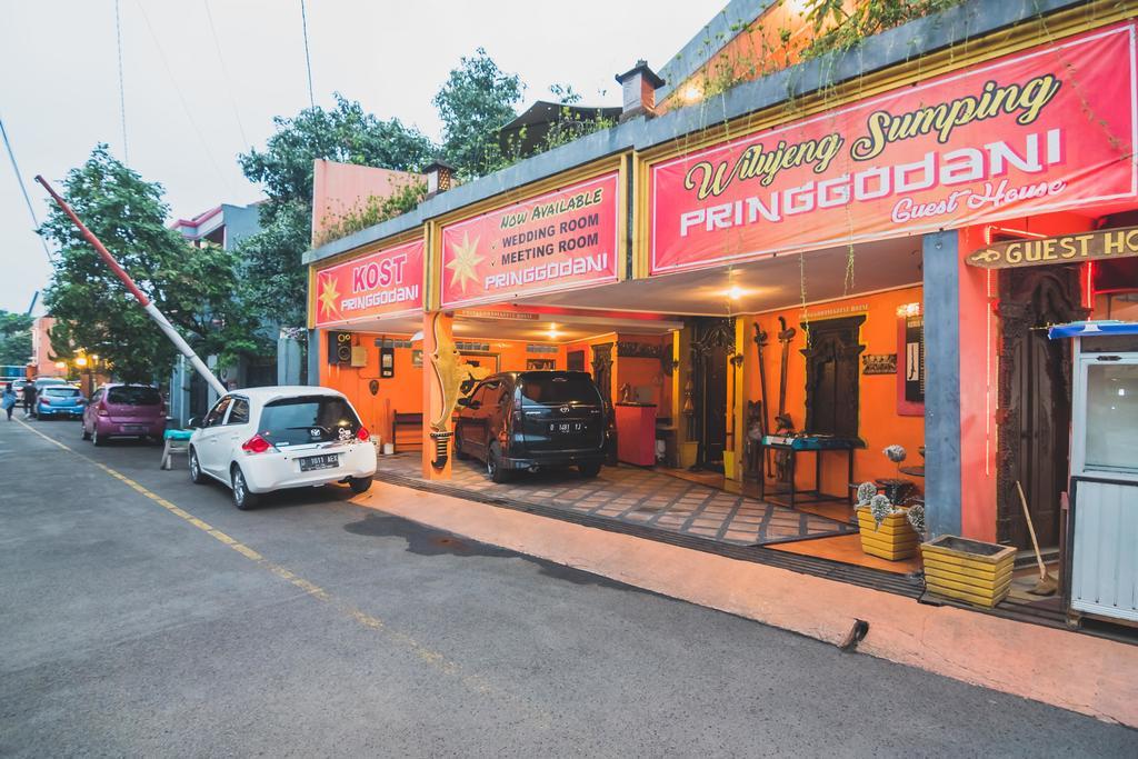 RedDoorz Near Margahayu Raya