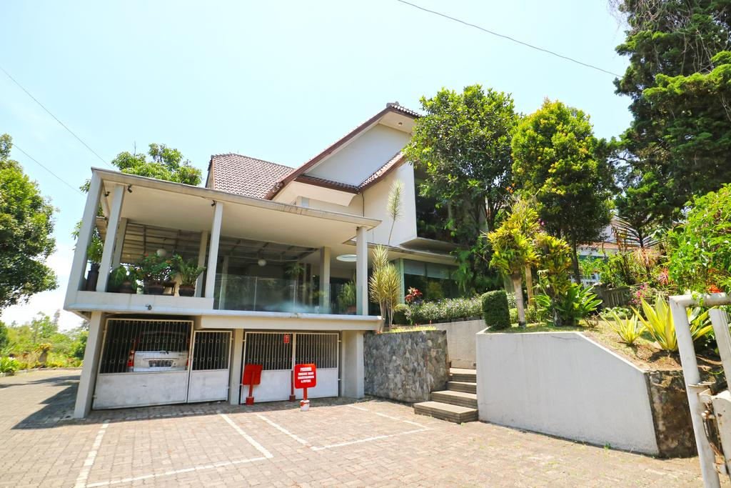 RedDoorz near UPI Setiabudi 2