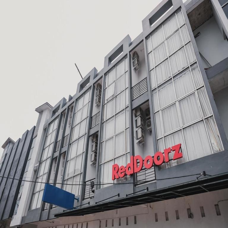 RedDoorz @ Jalan Sukabangun 2 Palembang