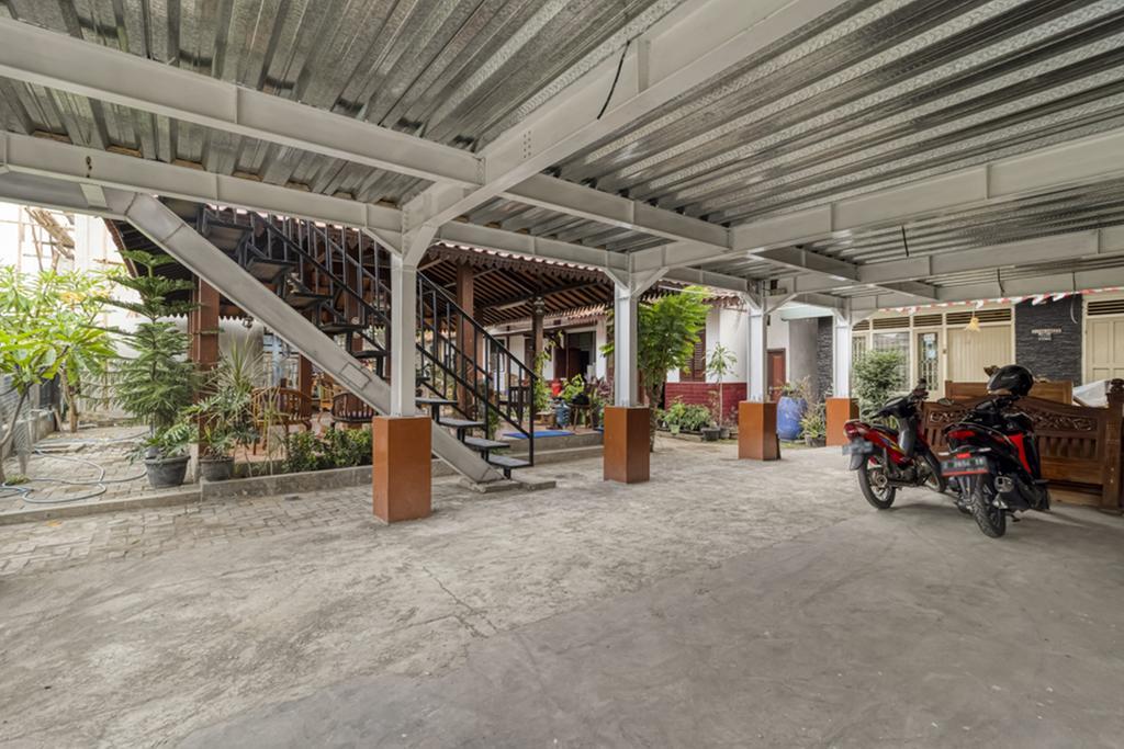 RedDoorz Syariah near Wijilan 2 Yogyakarta