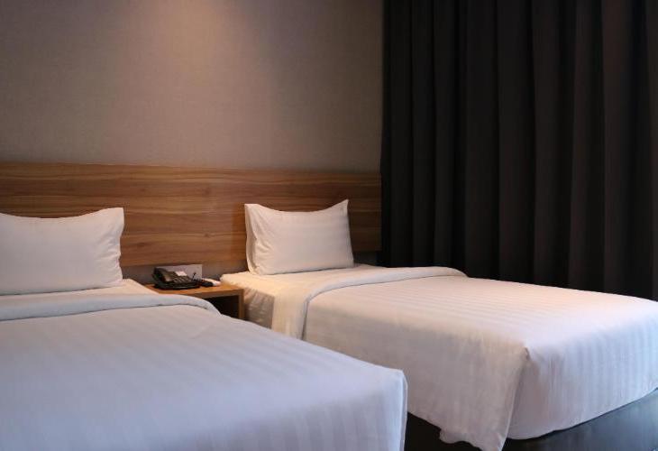 TravelHub Hotel