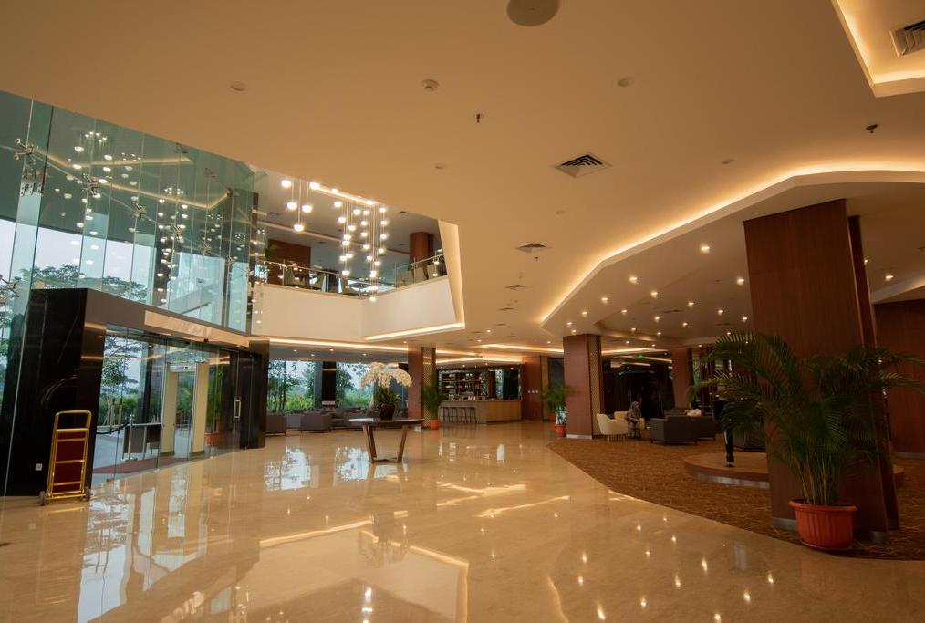 Avenzel Hotel and Convention
